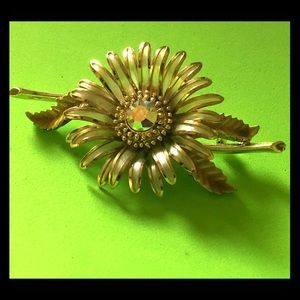 CORO Vintage Brooch. Gorgeous jeweled flower